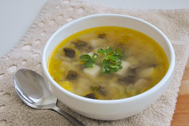 Грибной суп с перловкой и сельдереем