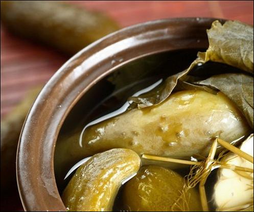 Маринованные огурцы с водкой