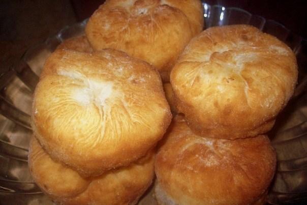 Жареные пирожки на сыворотке с повидлом