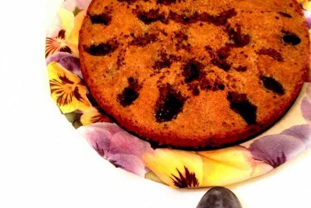 Ароматный сливовый пирог