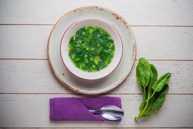 Суп из шпината с зеленью