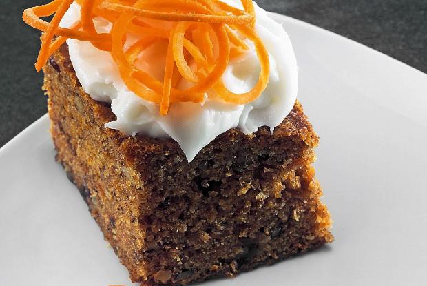 Морковный пирог с кокосовыми сливками