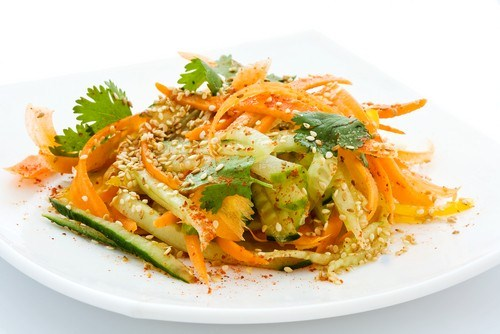 Салат из сельдерея с морковью