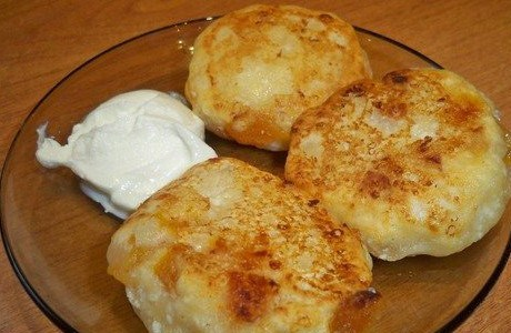 Сырники со сливочным маслом