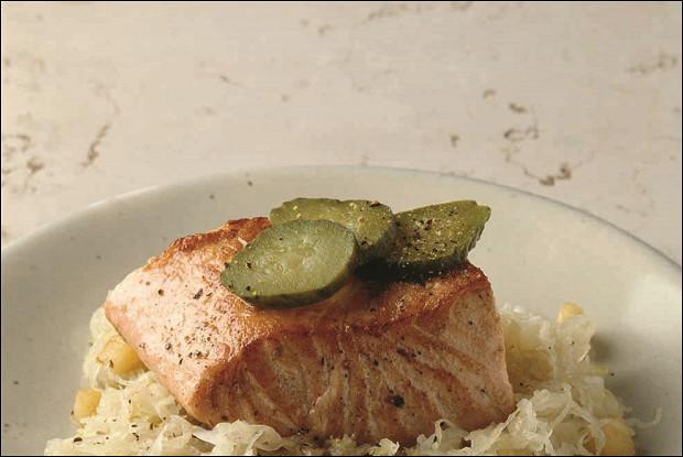 Шукрут с лососем