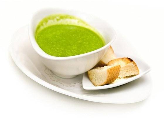 Крем-суп из лука-порей и сельдерея с жареными крутонами