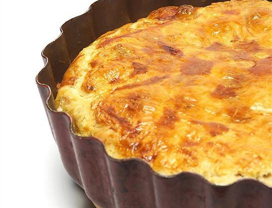 Пирог с камамбером