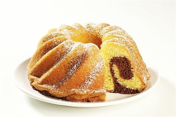 Мраморный пирог с шоколадом и ванилью