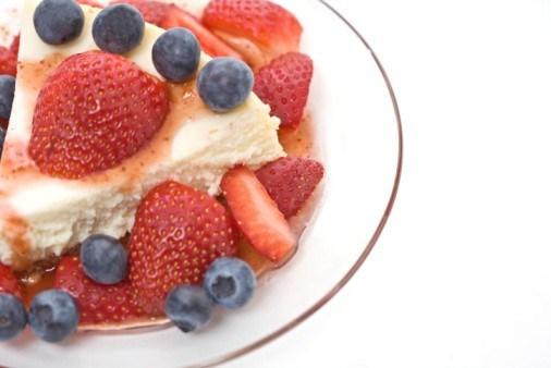 Чизкейк из рикотты со свежими ягодами