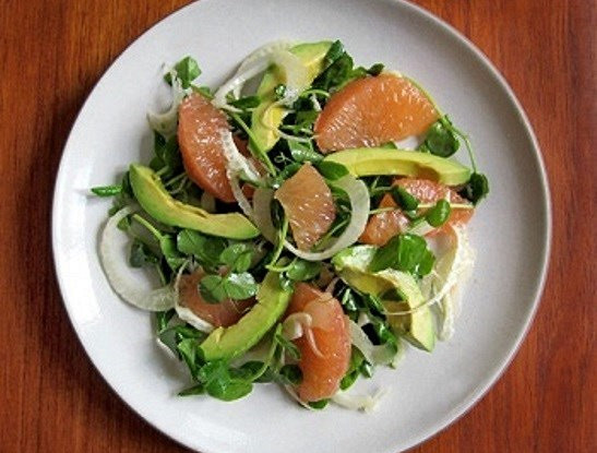 Салат из фенхеля, авокадо и грейпфрута