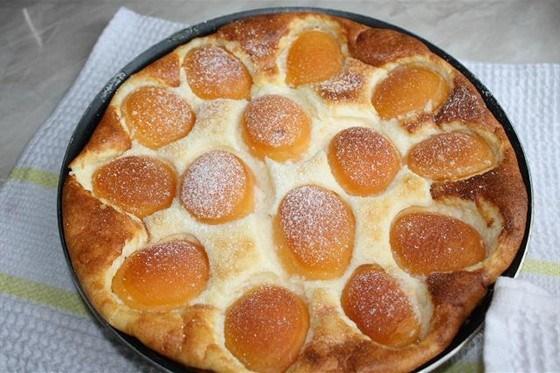 Манная запеканка с орехами и абрикосами