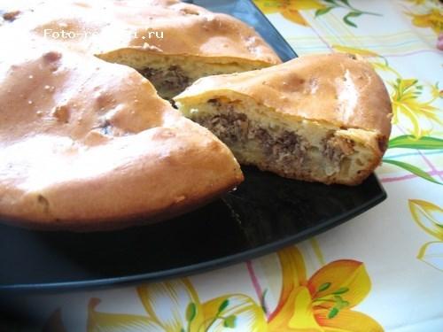 Пирог с рыбными консервами и картофелем на кефире с яйцами