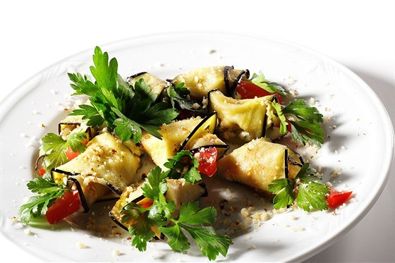 Салат из баклажанов с базиликом