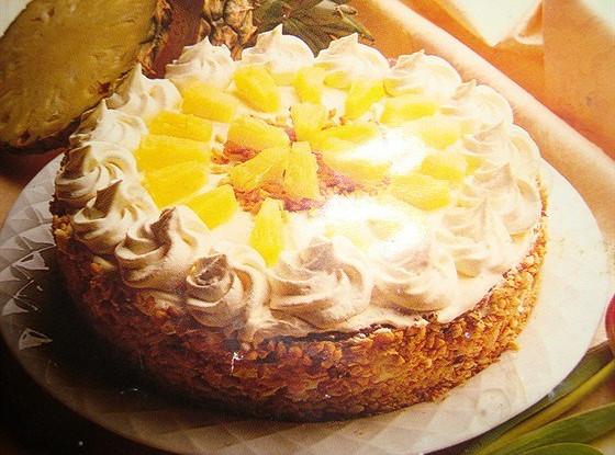 Торт из манки с ананасами
