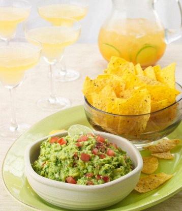 Мексиканская закуска из фасоли и авокадо