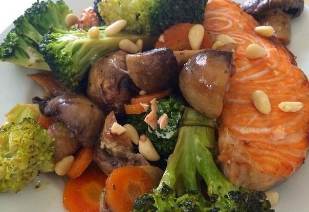 Лосось терияки с овощами