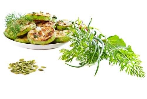 Салат из цукини с сыром и бальзамическим уксусом