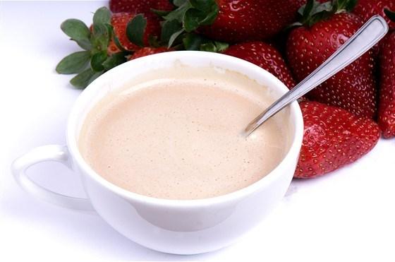 Суп-пюре из свежих ягод и сметаны