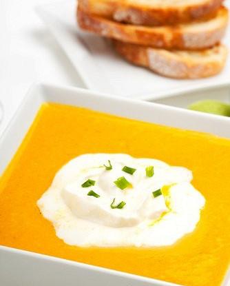 Тыквенный суп с кумином и сырными тостами