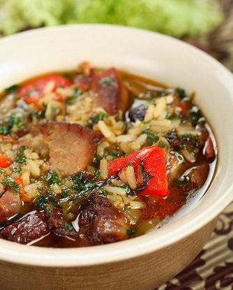 Суп из баранины с рисом, картофелем и алычой
