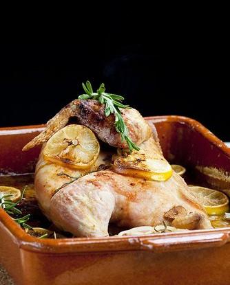 Лимонная курица с лавровым листом и молодым картофелем