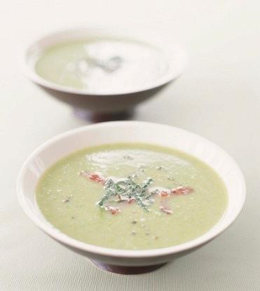 Гороховый суп с ветчиной и петрушкой