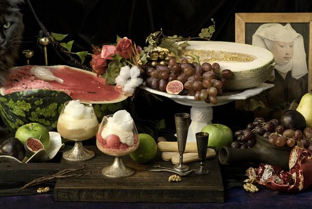 Десерт с фруктами и козьим сыром