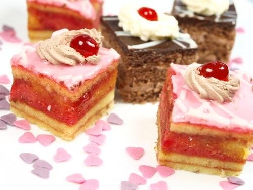 Пирожные с клюквой