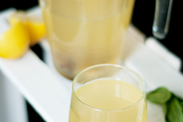 Лимонад с имбирем и медом