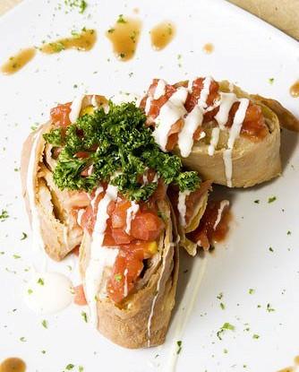 Суши по-мексикански с сальсой
