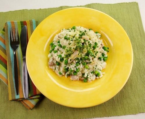 Рис с куриной печенью и зеленым горошком