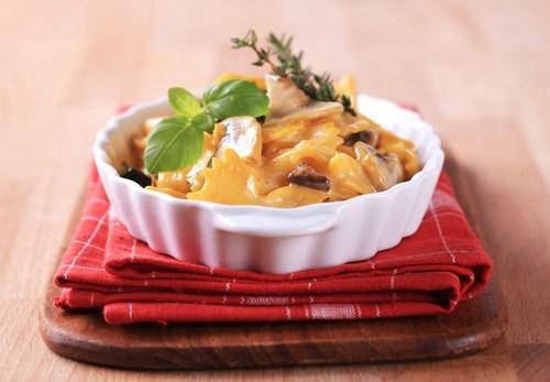 Запеченная паста с тыквой и грибами под сырной корочкой