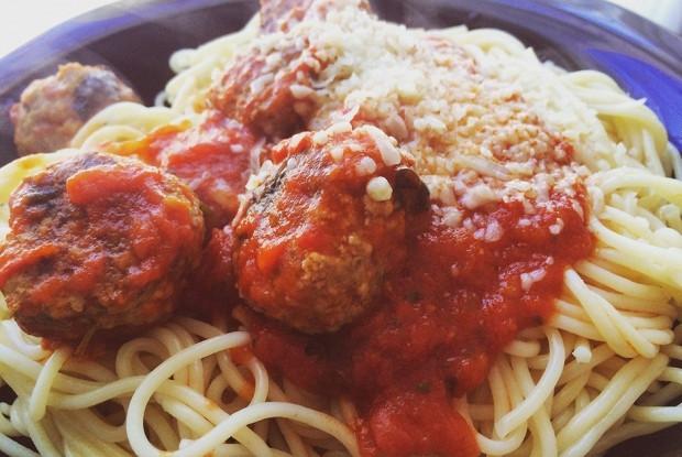Спагетти с мясными шариками (meatballs)