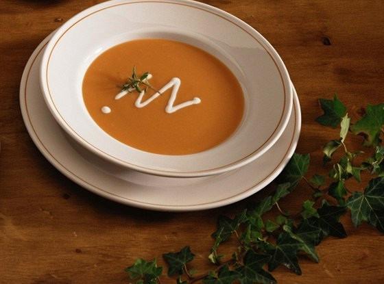 Крем-суп из батата с кокосовым молоком и кориандром