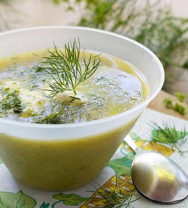 Суп-пюре из рукколы с козьим сыром