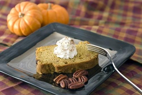Тыквенный хлеб с апельсиновой цедрой и орехами пекан