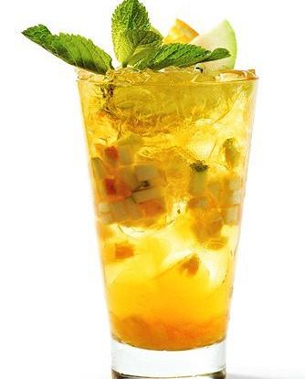 Апельсиновый пунш с джином и цитрусовым льдом