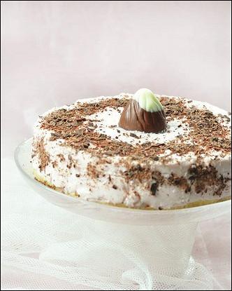 Новогодний чизкейк с ликером «Бейлис» и шоколадной крошкой