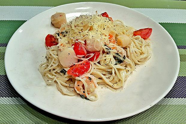 Спагетти с гребешками в сливочном соусе
