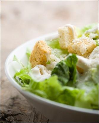 Сырно-чесночная салатная заправка