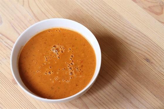 Пряный средиземноморский винегрет с морковным соком