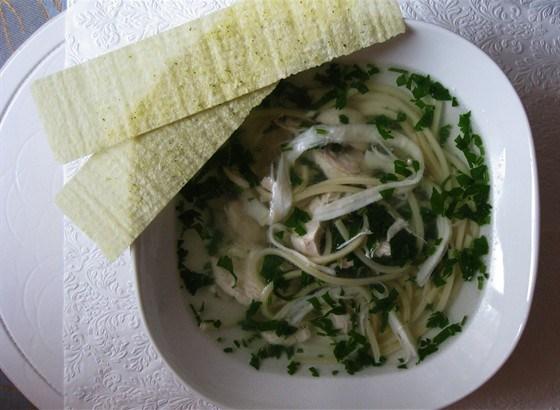 Куриный суп с сушеными кальмарами