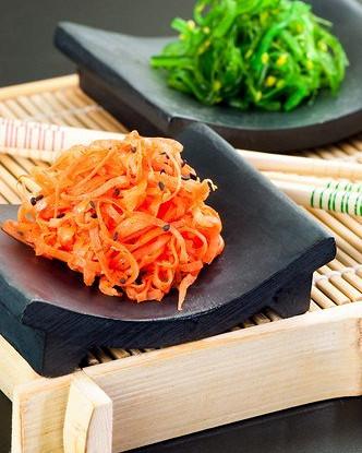 Морковный салат с зеленым луком по-азиатски