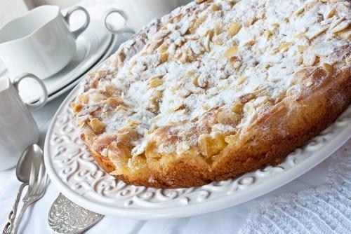 Персиковый пирог с миндалем