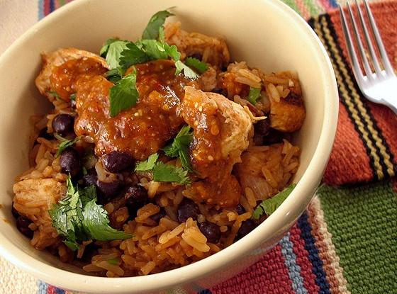 Курица и рис с черной фасолью