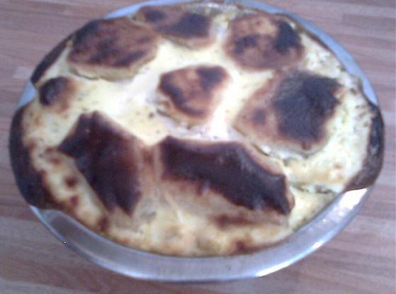 Хек, запеченный с грибами и картофелем