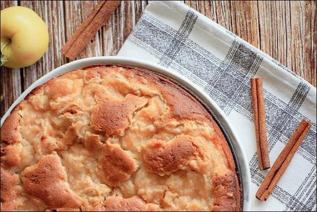 Простой медово-яблочный пирог