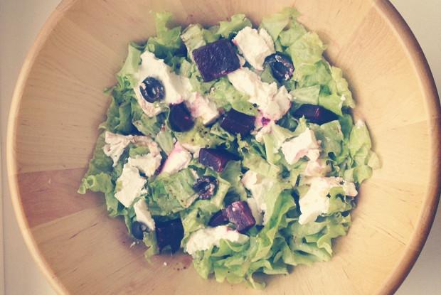 Салат с печеной свеклой и фетой