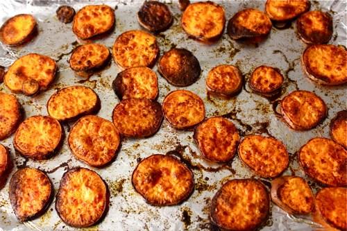 Картофель с паприкой и чесноком на скорую руку