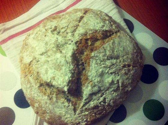 Бездрожжевой хлеб на кефире с грецкими орехами